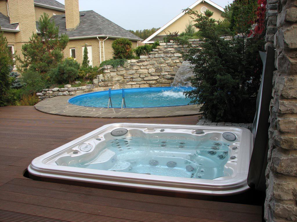 бассейн и гидромассажный СПА-бассейн